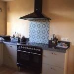 Portugese tegel MAR06 in keuken spatwand