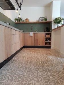 taupe cementtegels keuken