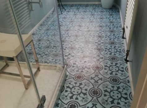 Portugese cementtegels badkamer