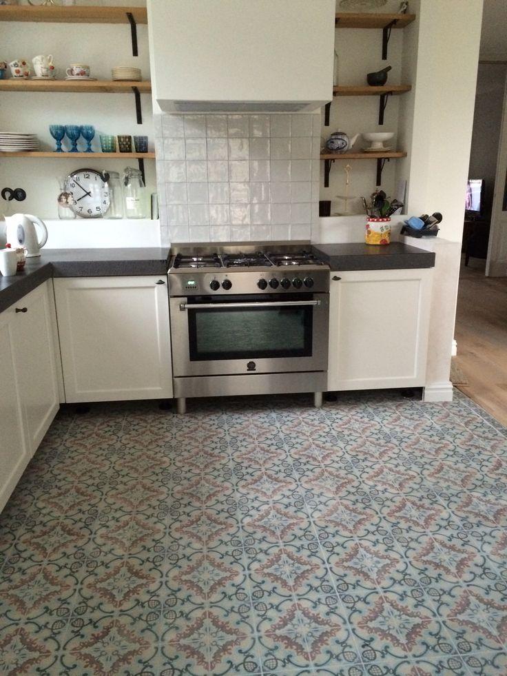 Portugese tegels in hal keuken of badkamer floorz for Tegels voor dakterras