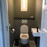 Portugese vloertegels toilet achterwand