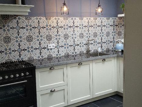 Portugese cementtegels keuken achterwand