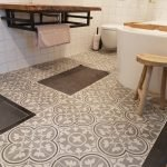 badkamer met Portugese tegels FLWRZZ02