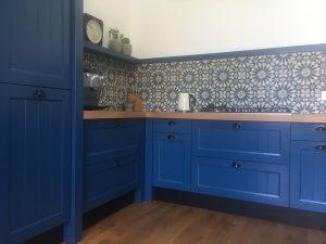 achterwand keuken met Portugese tegels