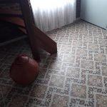 Oude vloertegels hal