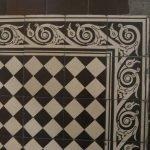 Antieke vloertegels zwart wit