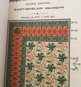 Antieke tegels met bloemmotief