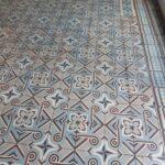 Oude patroontegels vloer